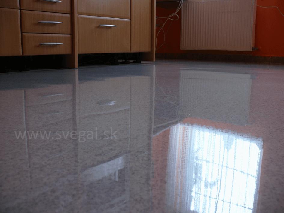 Epostyl Granit podlaha v kuchyni