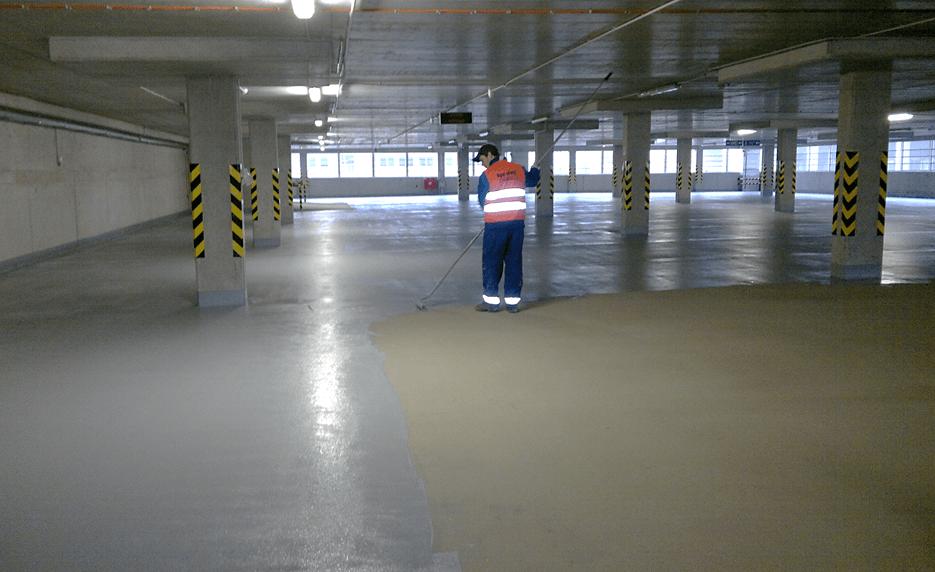 Náter garáže Saduritom Z1