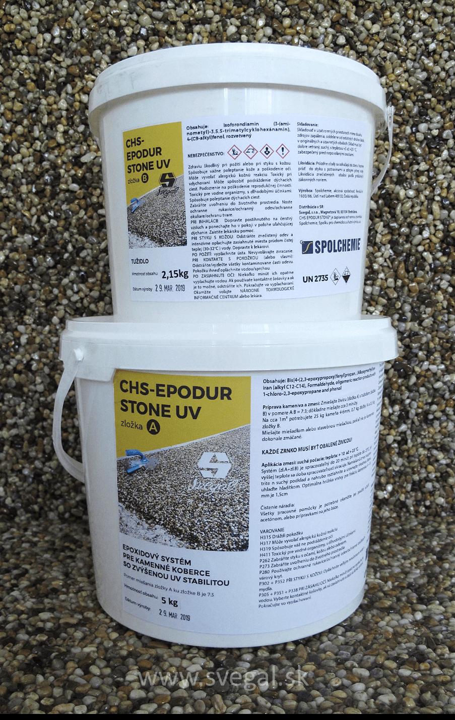 Zaliatie dlažobných kameňov produktom CHS-EPODUR STONE UV. Vysoká UV ochrana a minimálne žltnutie. UV kamenný koberec s dlhou životnosťou.