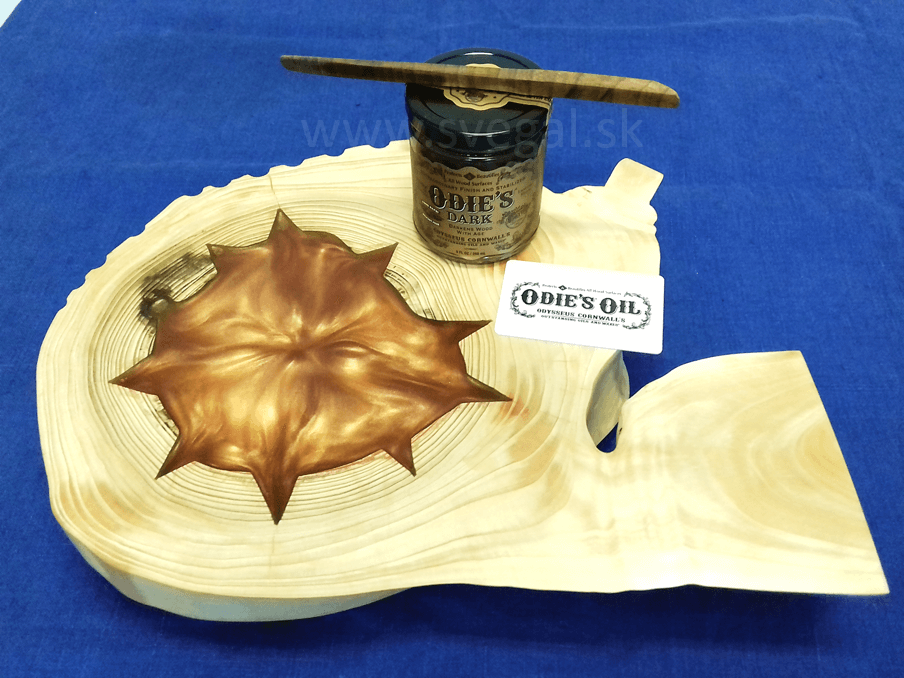 Povrchová úprava art výrobku produktom Odie´s Oil Dark