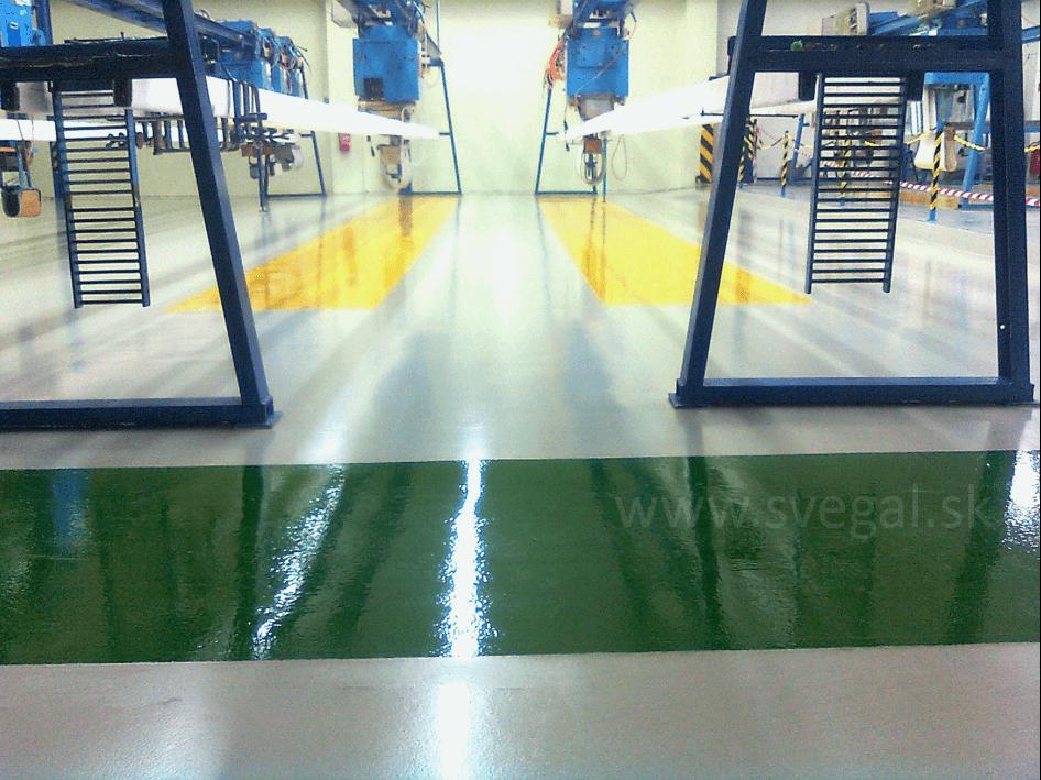 Priemyselná prevádzka, ideálne miesto pre položenie epoxidovej liatej podlahy.