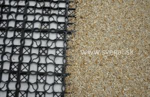 Kamenný koberec v zatrávňovacej rohoži