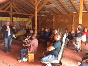 workshop o aplikácii liatych epoxidovýh podláh.