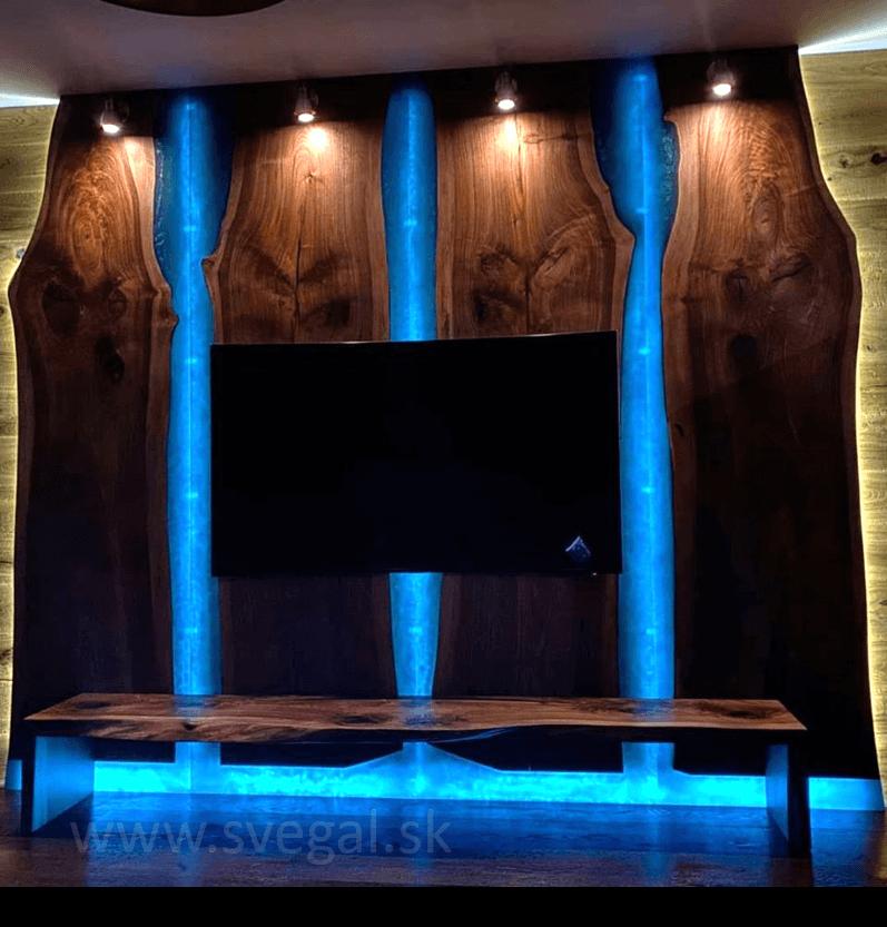 zalievanie dreva s Art Resin HARD - orechová stena