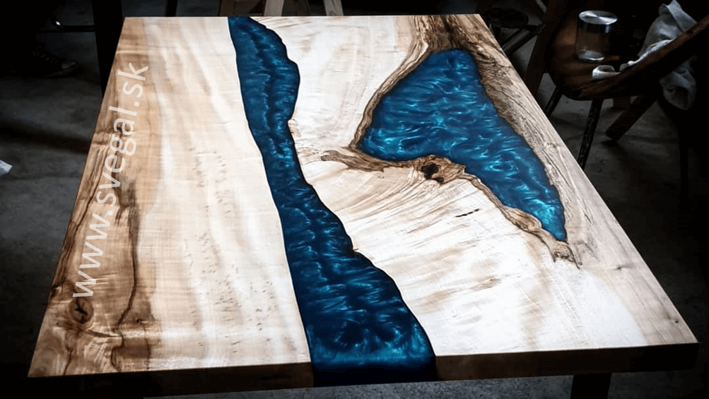 epoxidové stoly výroba - zalievanie