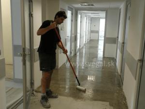 Liata podlaha a jej cena - penetrácia