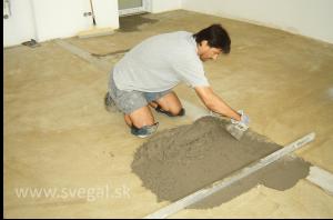 Epoxidové podlahy - zrovnanie výškových rozdielov pomocou plastbetónu
